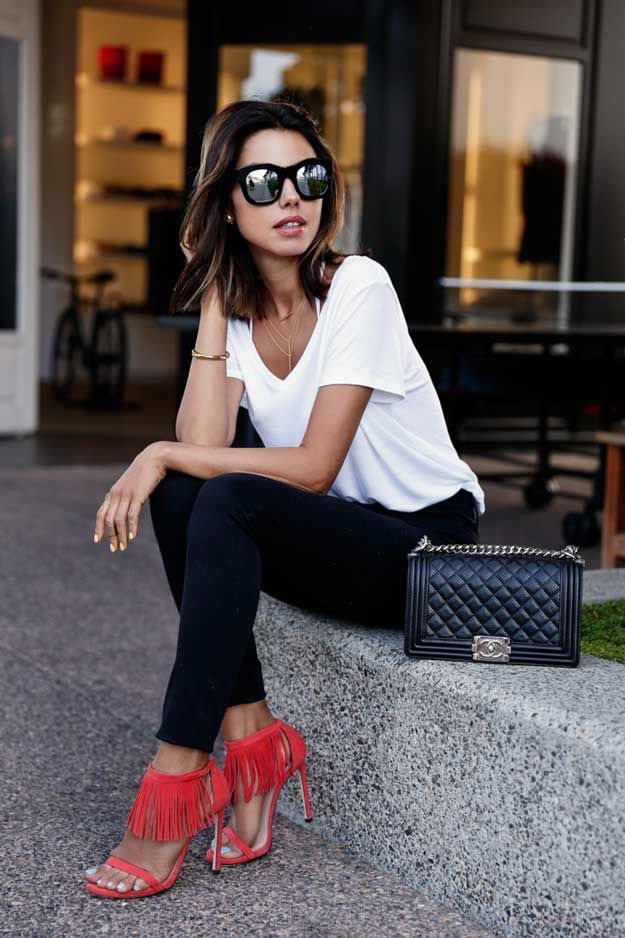 White T-Shirt | 8 Spring Fashion Essentials, check it out at http://makeuptutorials.com/spring-fashion-essentials-makeup-tutorials