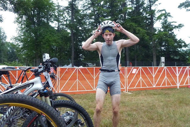 Grinding it Out in Huntsville - Race report from the Muskoka Grind off-road Triathlon. It rained, but a good time nonetheless!
