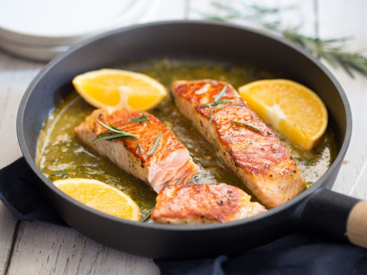 Salmon pan with orange and rosemary sauce  – Favoriten