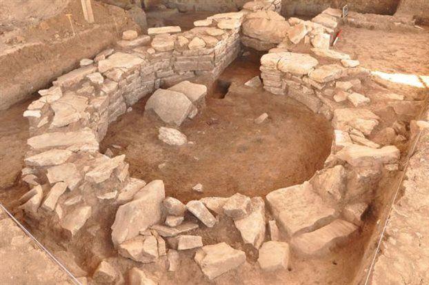 Φθιώτιδα: Πέτρινα σπίτια και τάφροι σε οικισμό του 5800 π.Χ.