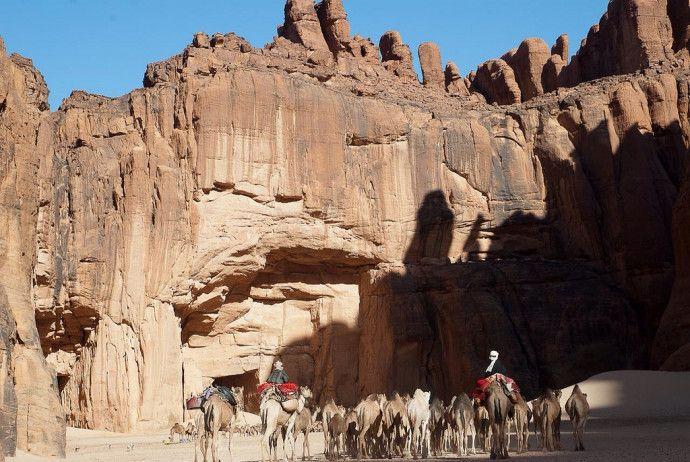guelta d archei celebre source d eau du sahara 2   la Guelta dArchei célèbre trou deau du Sahara   tchad sahara photo oasis image guelta dés...