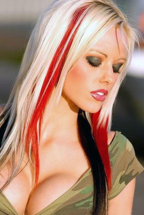 Blonde Streaks Hair 33