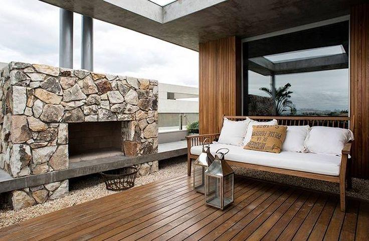 Vuelve la elegancia de la madera en una casa en Nordelta