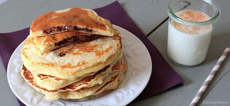Sorprende a tu familia con un desayuno de lo más rico: ¡tortitas americanas rellenas de nutella o nocilla! Seguro que has visto mil veces este desayuno e...