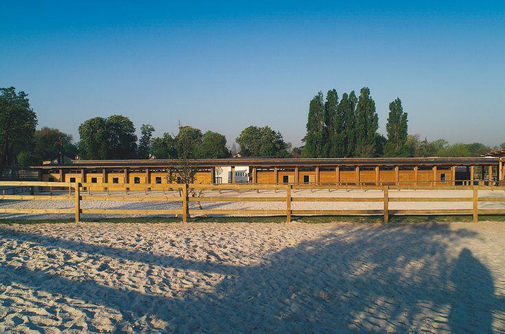 281 best outdoor arenas images on pinterest dream barn - Base de loisirs port aux cerises ...
