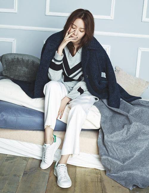 Kim Ah Joong is bundled up in the blues for 'ELLE' | allkpop.com