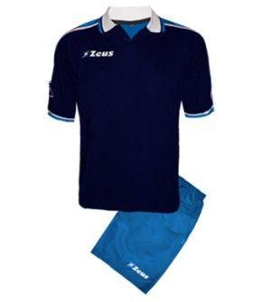 Kék-Királykék-Fehér Zeus City Pamut Póló Szett nagy hatékonyságú légáteresztő képességű, kényelmes, puha, lágy, elegáns viselet. Vállrészét összekötő vállszélesítő minta, a kiegészítő szín adja. City póló oldalán karcsúsító betét, teszi még magabiztosabbá viselését. Szuper, nagyszerű, sportos választás a Zeus City rövid galléros póló szett. Kék-Királykék-Fehér Zeus City Pamut Póló Szett 7 méretben és további 7 színkombinációban érhető el.