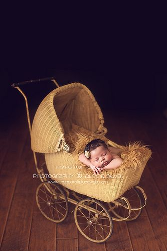 vintage baby buggy. Photography by Alecia Silva - Seattle newborn baby photographer.