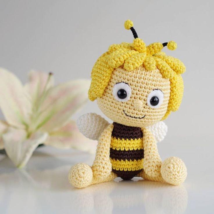 Mickey Amigurumi Bee Bee Tutorial : Maya abeja Bee Amigurumi y munecos tejidos de punto ...