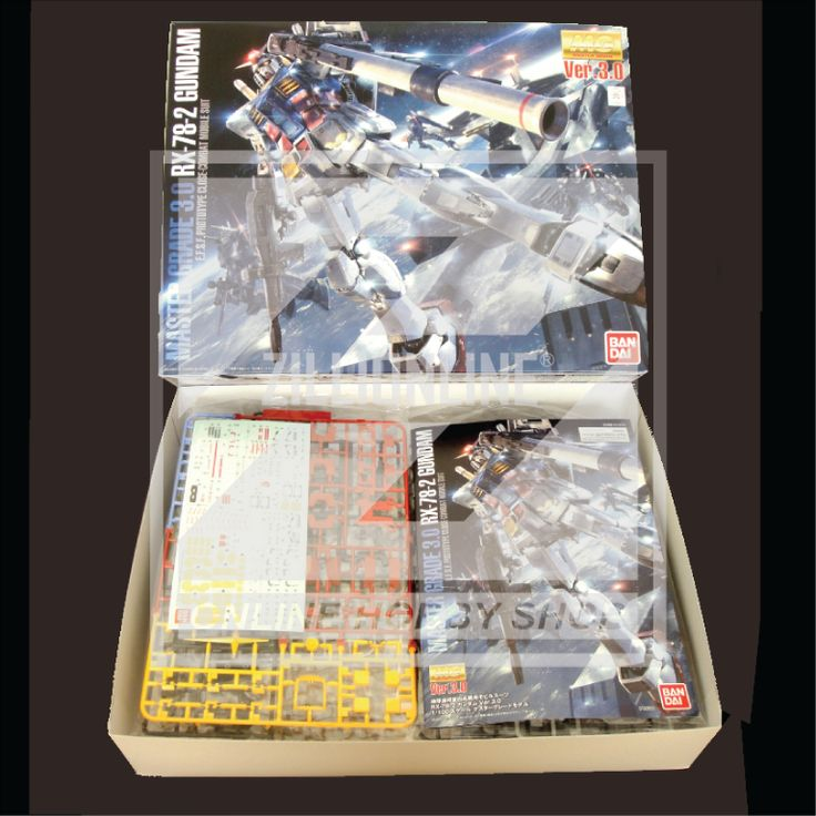 [MODEL-KIT] MG 1/100 - RX-78-2 GUNDAM Ver.3.0. Item Size/Weight: 39.2 x 31.2 x 8.5 cm / 788g*. (*ITEM SIZE & WEIGHT BEFORE PACKAGED). Condition: MINT / NEW & SEALED RUNNER. Made by BANDAI.