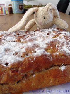 Xandra bakt brood: Paasbrood met spijs.