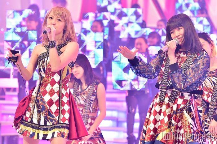 E-girls、ダイヤ柄衣装でガールズダンサーと華やかステージ<紅白リハ最終日> (C)モデルプレス