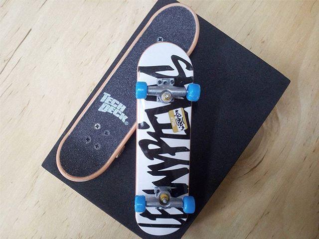 BRAND  DGK SKATER  LENNY RIVAS SERIES  STANDARD SERIES PRODUCT  96MM SINGLE PACKS * ล้อสี ไม่มีลายที่ล้อ * #techdeck #techdeckthailand #fingerboard #fingerboardthailand #toysthailand #toythailand #miniskate #dgk #fingerskate #thailandskateboard #skateboardthailand #สเก็ต #สเก็ตไทย #thailandfingerboard #miniature #sk8 #skateboard #LENNYRIVAS
