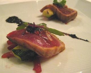 me of pepper tuna yum grilled tuna over arugula with lemon vinaigrette ...