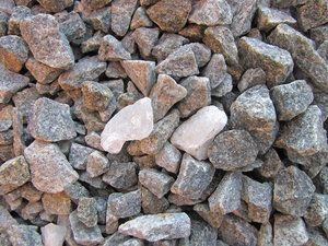 Granit kebanyakan besar, keras dan kuat, dan oleh karena itu banyak digunakan sebagai batuan untuk konstruksi.