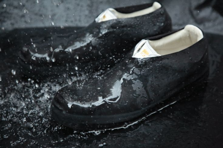 ONFAdd's rain socks protect your shoes from mud and water