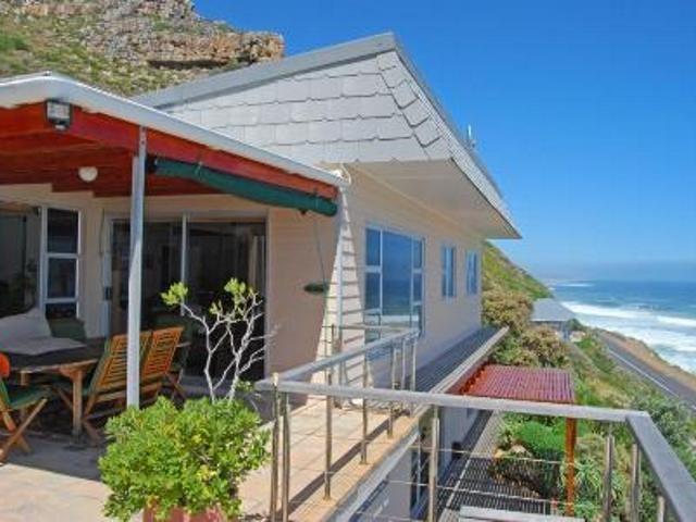 4 bedroom House for sale in Misty Cliffs for R 3650000 with web reference 571534 - Jawitz False Bay/Noordhoek