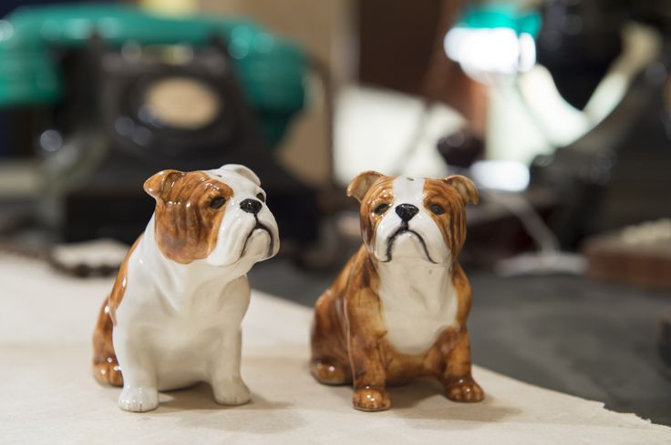 Designed exclusively for the Imperial War Museums by British company Quail Ceramics, this set of salt and pepper pots add an authoritative air to any table. Churchill's association with bulldogs was thanks to his 'bulldog spirit' which helped unite the nation, leading Britain to victory in the Second World War.