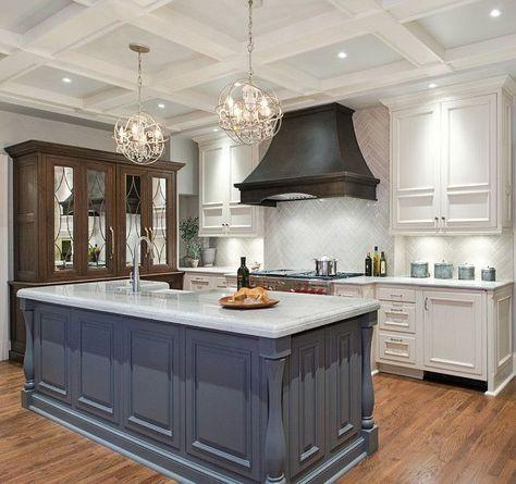 Kitchen Cabinet With Custom Kitchen Island.