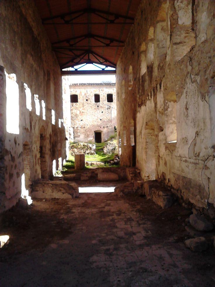 Interior del convento de San Francisco del Berrocal