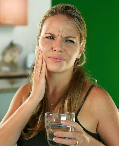 Chega de dor! Saiba como lidar com a sensibilidade nos dentes do início até o fim do tratamento