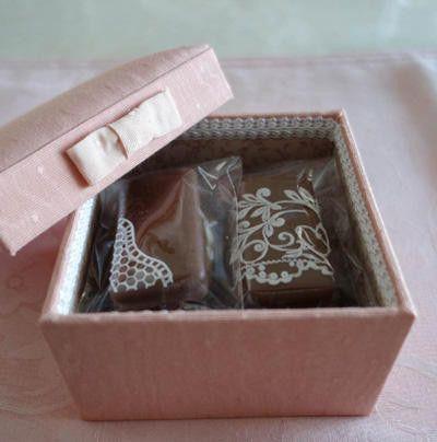シュガーレースのチョコレート菓子