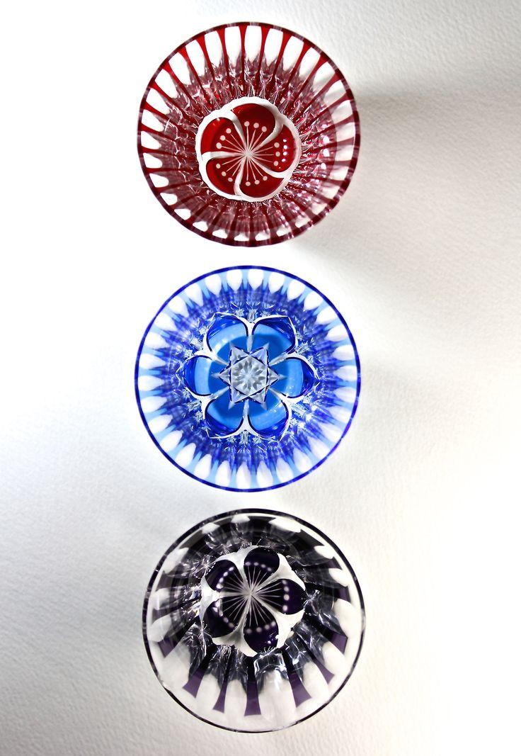 Kiriko of Japan. Twist Japanese plum Niwazekisho Sakura Small sake cup(kiriko,cut glass) ひねり梅 庭石菖 サクラ ぐい呑み