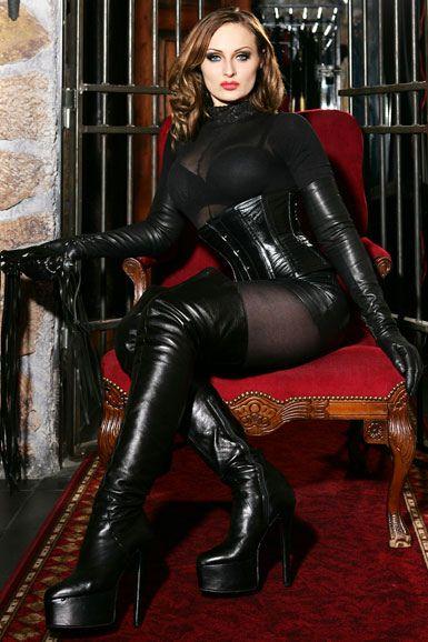 Bbw domme monika facesitting her skinny male slave 9