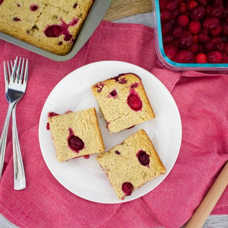 Cranberry Oat Bars (Vegan, Gluten-Free, Low-Fat, Sugar-Free)