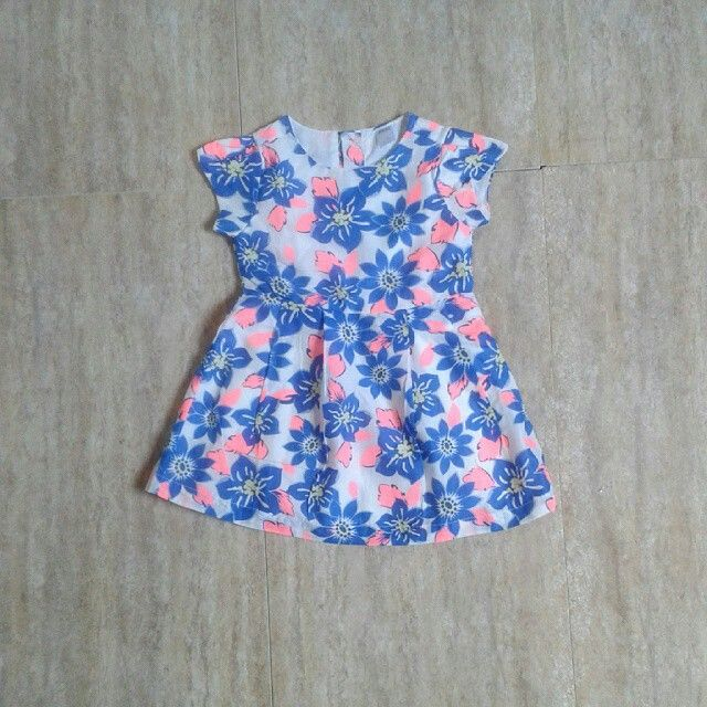 Max blue flower dress 6-12bulan, 12-18bulan, 18-24bulan 65rb
