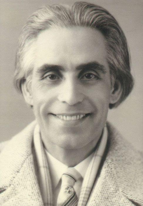 Omraam Mikhaël Aïvanhov vers 1940
