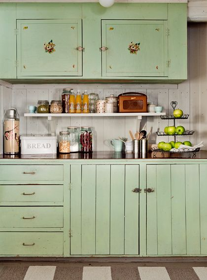 Vintage farmhouse kitchen, green cabinets, shelf. #retro #mint #kitsch