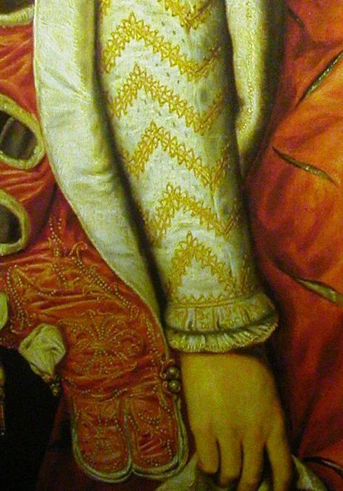 1568 Elisabeth de Valois sleeve