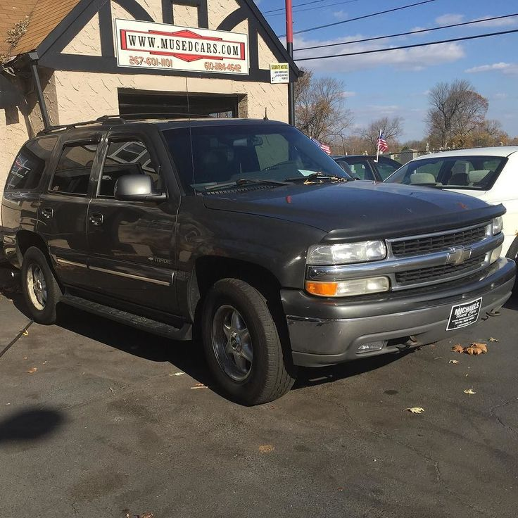 2001 Chevy Tahoe clean title 250xxx Miles 4x4 Rims Touch Screen TV New Windshield $2900 267-370-7810