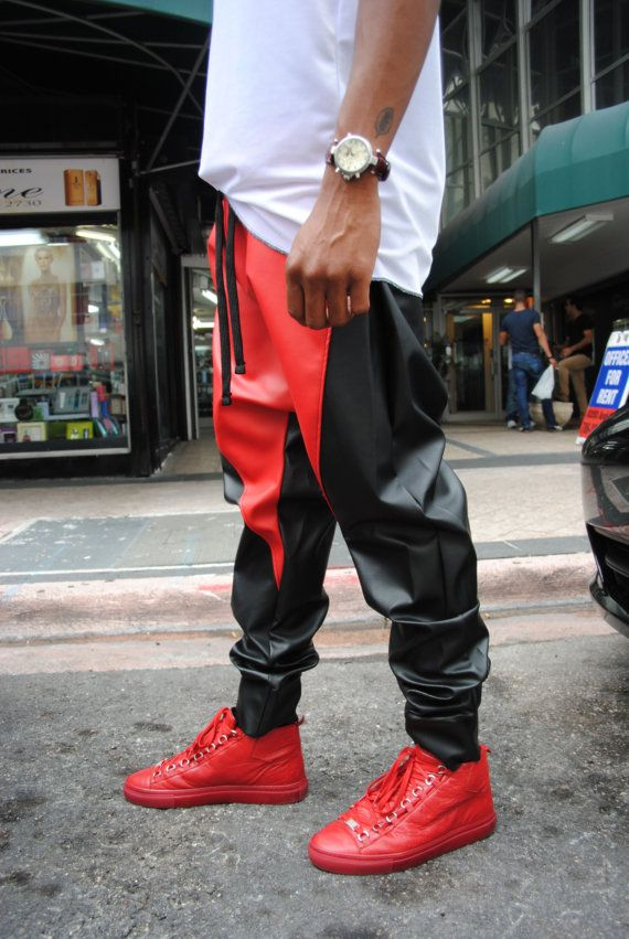 Black & Red Leather Drop Crotch Harem Pants / Mens von GAGTHREADS