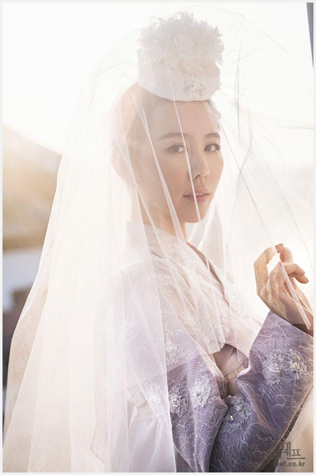 Wedding hanbok that head piece: jokduri