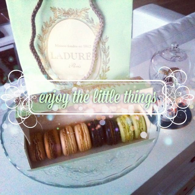 A little surprise from Laduree Romania for their opening #laduree #macarons #bucharest #guiltypleasures @mauvert_blog