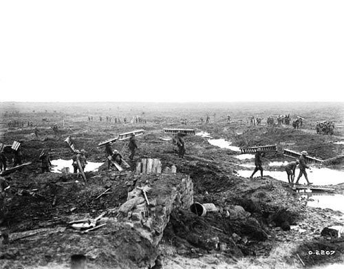 Maui, Qiana (Sec 1): Soldiers move their trench planks while also helping the injured and escorting the prisoners in the Battle of Passchendaele.