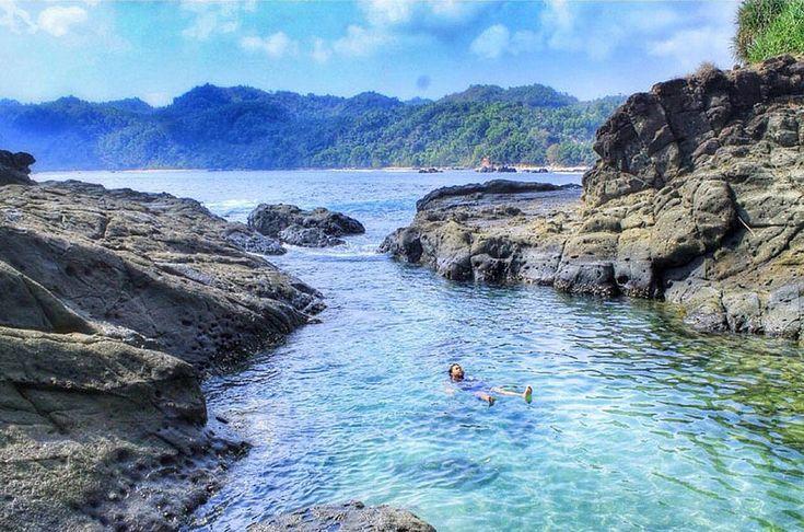 Wedi Ombo Beach Balong, Girisubo, Gunung Kidul, Daerah Istimewa Yogyakarta, Indonesia