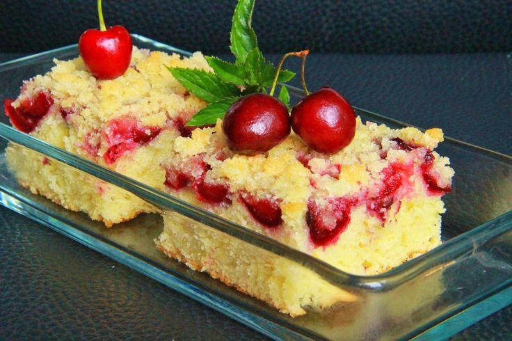 Jednoduchý jogurtový ovocný koláč