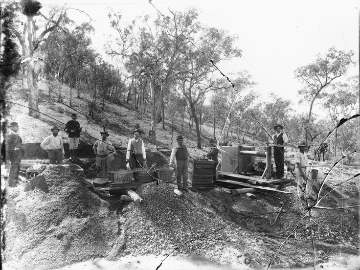 Gold panning, Australia, 1900