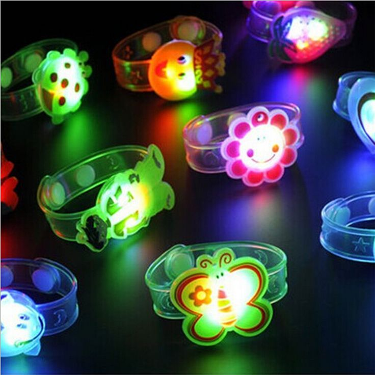 THE NORTH E HOME Modern Light Flash Toys Wrist Hand Take Dance Party Dinner Party Toys for Children kids