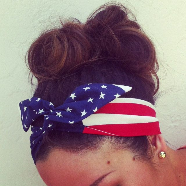 American Flag Dolly Bow Headband EXCLUSIVE. $14.00, via Etsy.