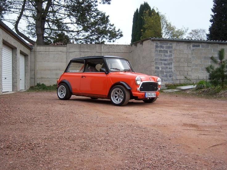 187 best austin mini images on pinterest classic mini mini s and dream cars. Black Bedroom Furniture Sets. Home Design Ideas