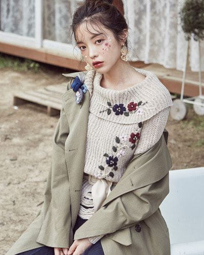 Floral Embroidery Distressed Knit Sweater CHLO.D.MANON   #stylish #floral #embroidery #koreanfashion #kstyle #kfashion #falltrend #seoul #sweater #knitwear