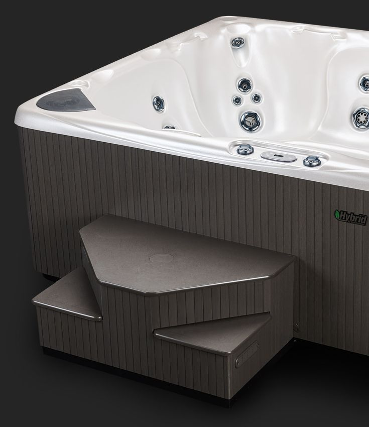 Beachcomber 590 Alabaster Hot Tub - Skirt and Acrylic #beachcomberhottubs #hottubs #outdoorliving  #canada #relaxation #hydrotherapy #massage #beachcomber