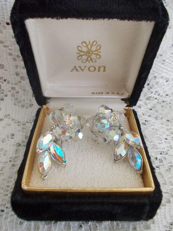 Vintage sparkling clip earrings teardrop by DaysofYoreTreasures