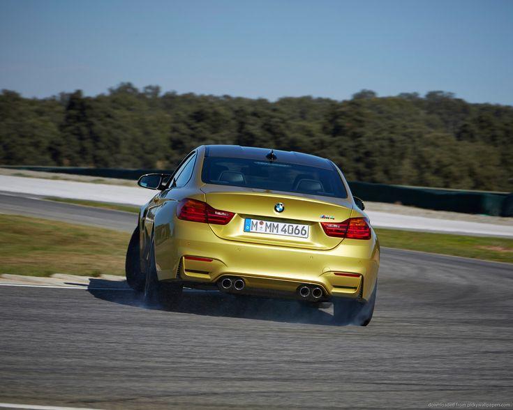 How to Break in BMW M4 with DRIFTING - http://www.bmwblog.com/2014/08/28/break-bmw-m4-drifting/