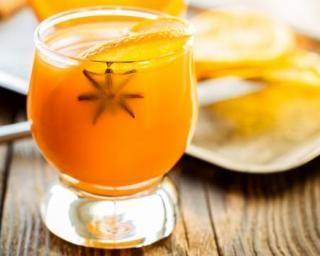 Punch sans alcool à l'orange et aux épices : http://www.fourchette-et-bikini.fr/recettes/recettes-minceur/punch-sans-alcool-a-lorange-et-aux-epices.html