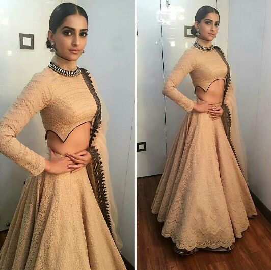 "Sonam Kapoor in Shantanu Nikhil for ""Prem Ratan Dhan Payo"" Movie Promotions on Big Boss Show"